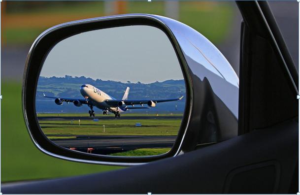Parkeren op het vliegveld vermijden met een huurauto